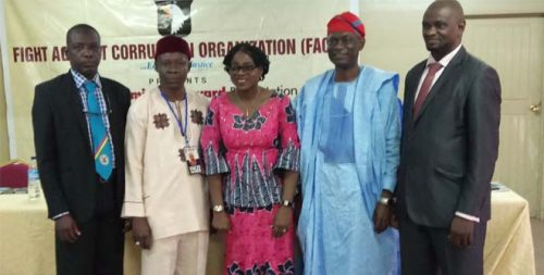 Mrs. Onadipe flanked by Dr. Shopekan (2nd Left) and other dignitaries. Photo Credit: Edutorial